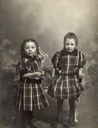 Agnes og Anna Madsen