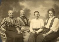 Fire søstre.jpg
