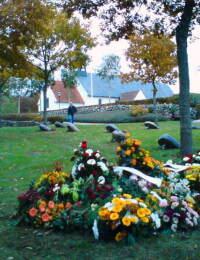 Blomster på Gudruns grav